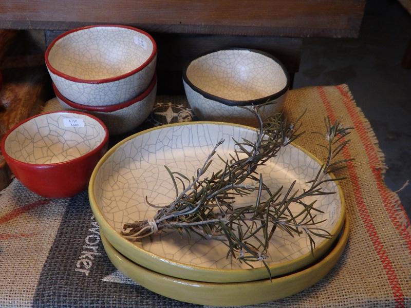 楕円皿とふち漆丸鉢